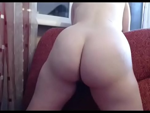 Thick white girl with perfect round ass and tits