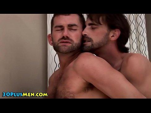 Bear gets fuck and facial
