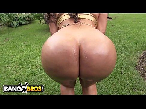 BANGBROS - Big Booty Latina Mostra Quello che Lavora E si fa Scopare