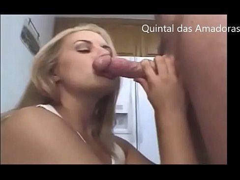 Blonde Amateur Milf Does Blowjob - Quintal das Amadoras