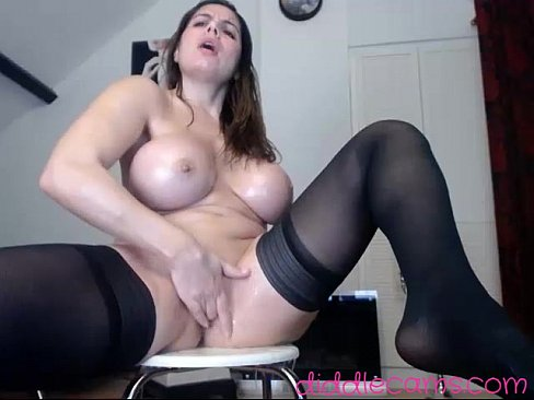 Hotjuliaxxx in a Live Adult Video Chat Room Cam