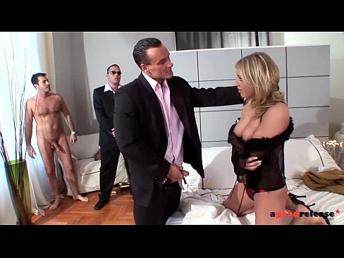 Filming the milf wife getting triple penetrated