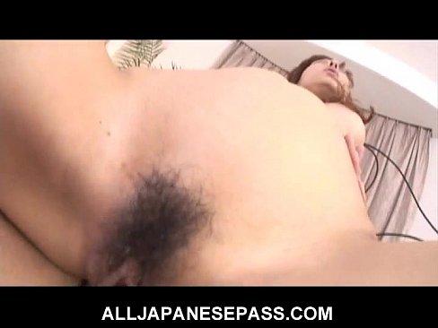 Busty Japanese honey Serina Hayakawa takes on two dicks
