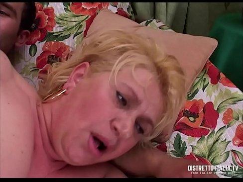 Guy Rubbing Clit Orgasm