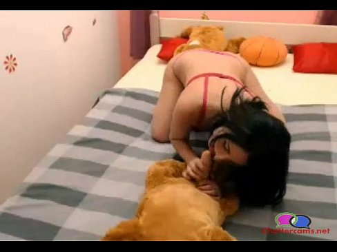 Girl Gives Her Dog Blow Job - Chattercams net - XNXX COM