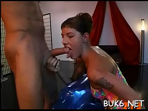 Emo chick shows porn