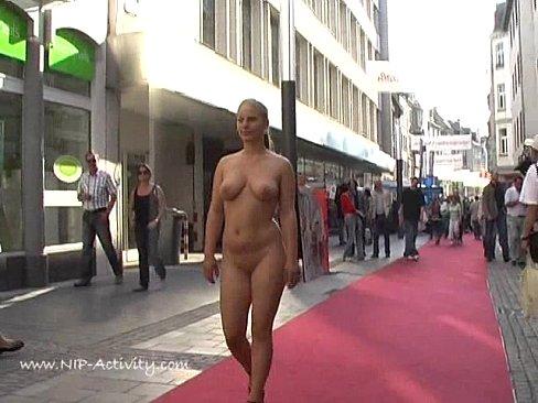 Hd nude hot public