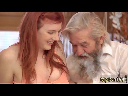Beste Lesben Blowjob Videos, Meine Granaughter Virgin Pussy Spur Blut