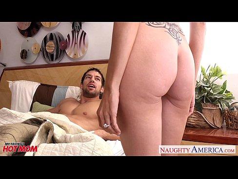 Hot threesome suck fuck