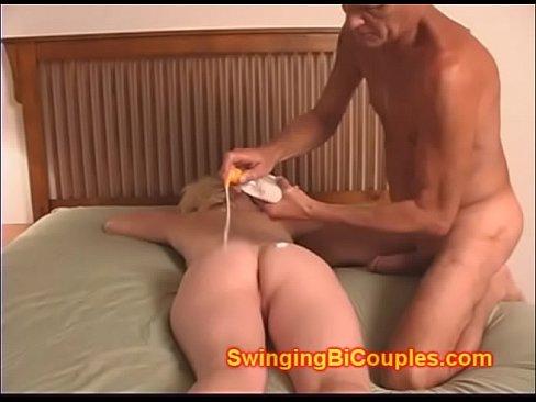 Stranger Eats Wifes Pussy