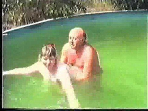 amatuer-sex-swimming-pool