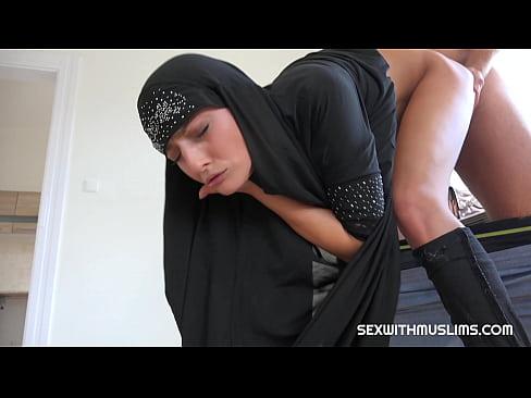 Sologirl wild eva outdoor shows pussy