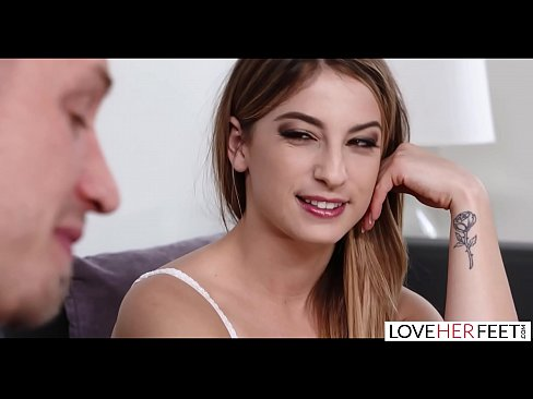 Step Daughter Eats Mom Pussy