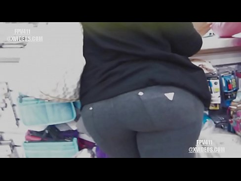 Thick ass redbone milf in tight jeans