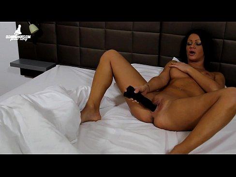 Female wakes up to masturbate