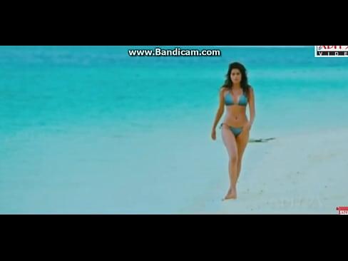 Shraddha Das Hot beach Walk