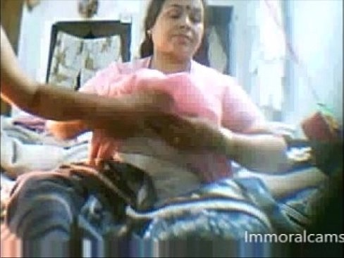 Indian mature porn free