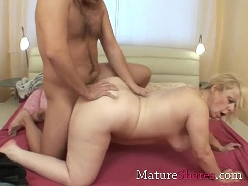 Midget sucking big cock