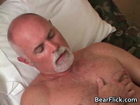 5 reasons why man bad bed