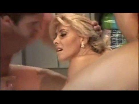 Ti mostriamo i migliori video porno di mamma gratis.