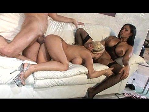 Hot Girl Homemade Threesome