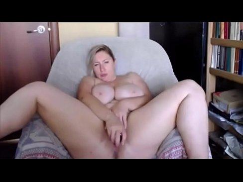 Huge Natural Tits Milf Amateur