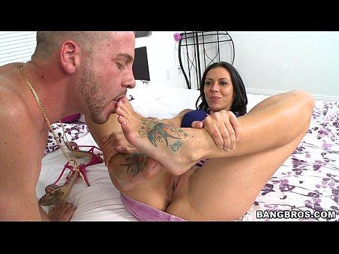 Racheal starrs first anal vid