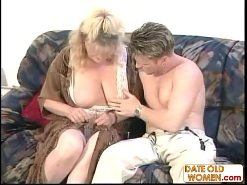 Mature Amateur Ffm Threesome
