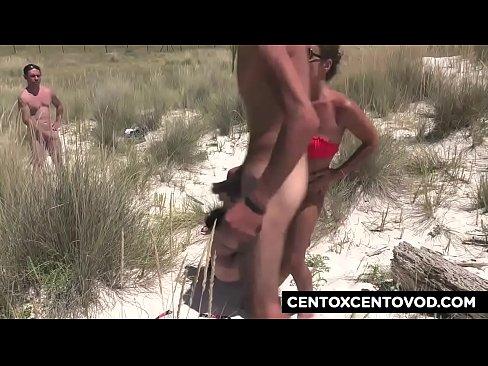 spiaggia gangbang porno