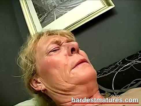 When did pornstars lose their virginity