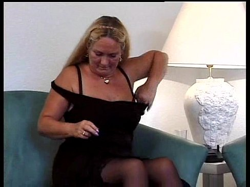 Amateur curvy milf gets quicky on homemade