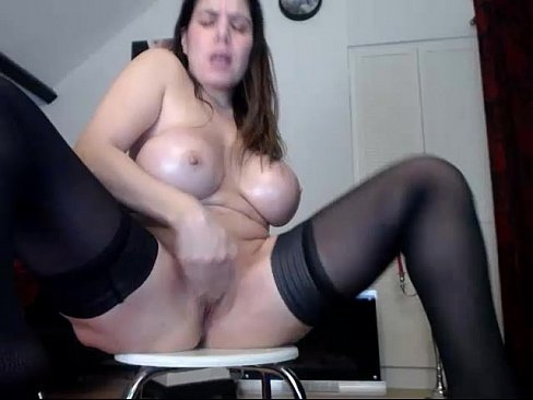 Chat with Hotjuliaxxx in a Live Adult Video Chat Room Now - 3 - ENVEEM.COM