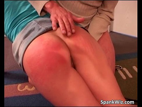 Petite Bubble Butt Anal