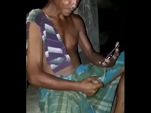 Milf spied changing