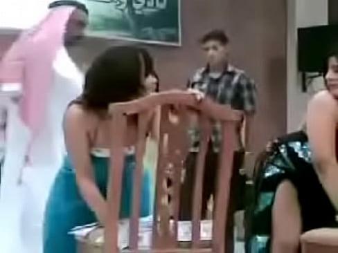 ra9s banat sakrana dance sexy arab - XNXX COM