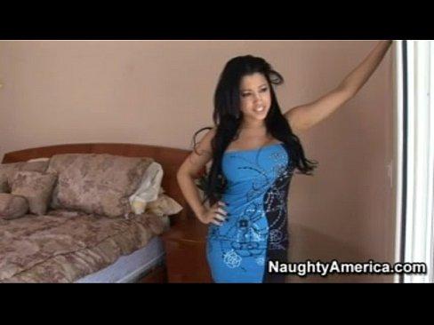 Gorgeous Latina Rides It Like A Champ - Pornhub.com