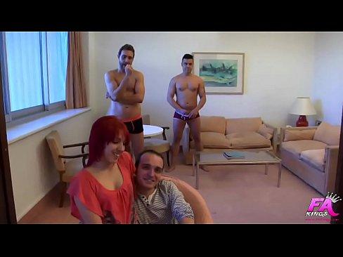 Mein Erster DP: Pamela, Arsch-Jungfrau, gebohrt durch zwei Schwanze zur gleichen Zeit