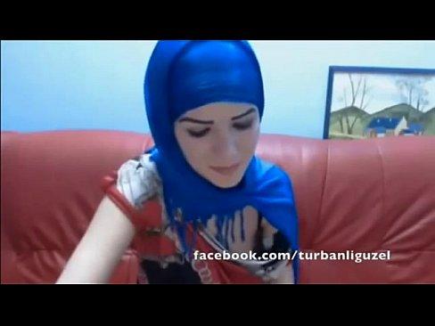 Arab twerk hijabi and muslim girl massage