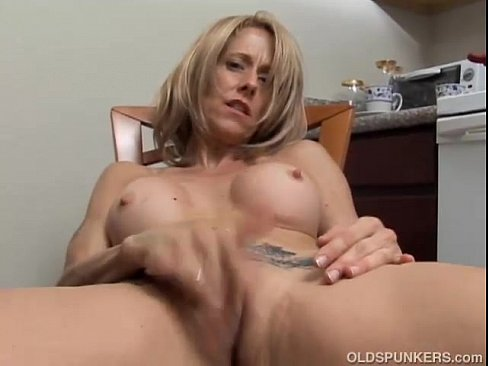 Milf playing with wet pussy
