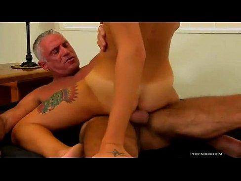 video.porno gays maduro y jovencito