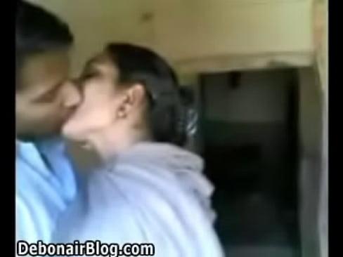 Video porn licki vagina mom