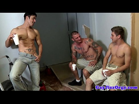 Naughty hunk gets spitroasted by jocks