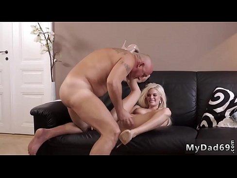 Sexo con dos chicas adolescentes pelicula completa adolescente caliente de la tira hd