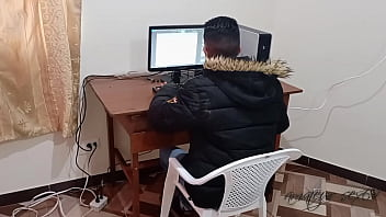 My secretary fucks with me on top of the desk so that I can give her a salary increase: we do it in the office while we are working and they listen to us